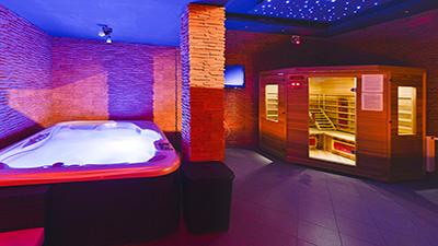 sauna jacuzzi